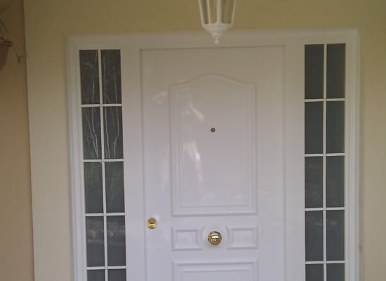 puerta con 2 fijos
