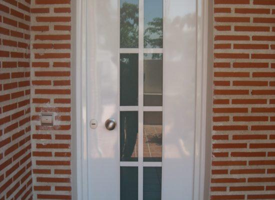 puerta blanca