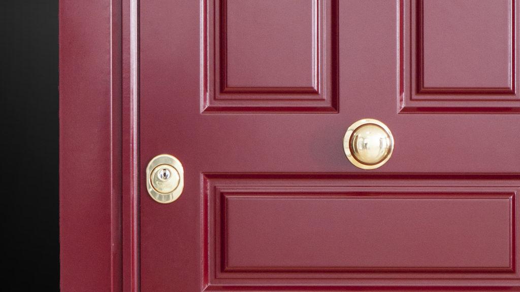 puerta granate